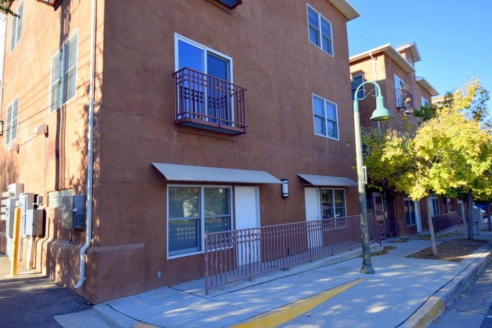400 COPPER Avenue NE APT 203, Albuquerque, NM 87102