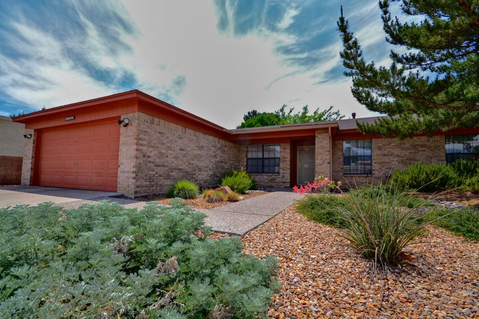 7309 Onate,Albuquerque,New Mexico,United States 87109,4 Bedrooms Bedrooms,3 BathroomsBathrooms,Residential,Onate,877505