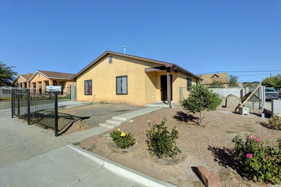 1724 Edith Boulevard SE, Albuquerque, NM 87102