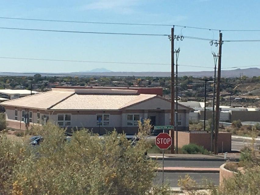32nd Street NE 13, Rio Rancho, NM 87144