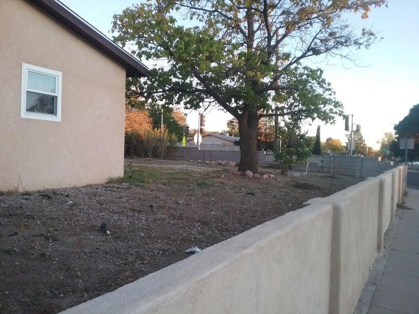 11400 Faye Avenue NE, Albuquerque, NM 87112