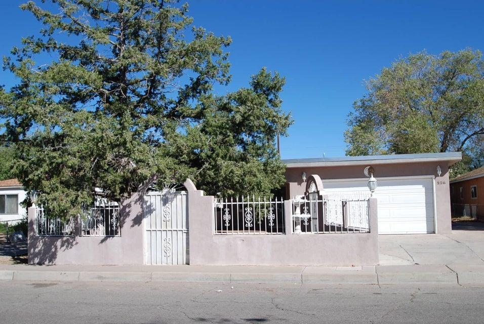 228 Garcia Street NE, Albuquerque, NM 87123