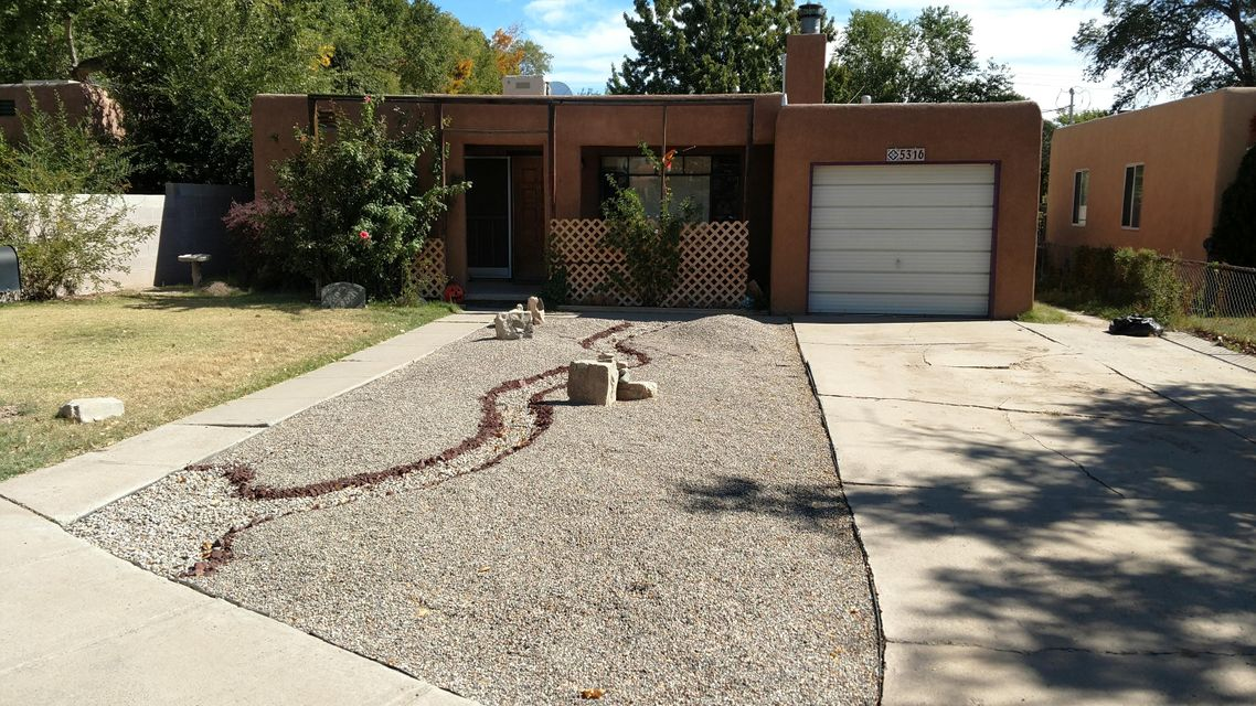5316 8Th Court NW, Albuquerque, NM 87107