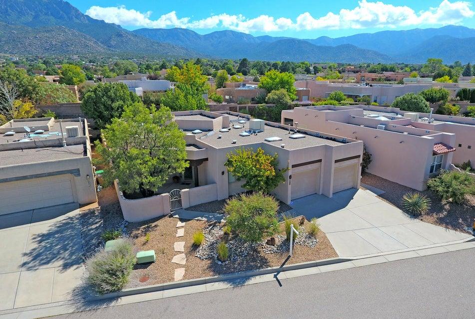 8215 Indigo Court NE, Albuquerque, NM 87122