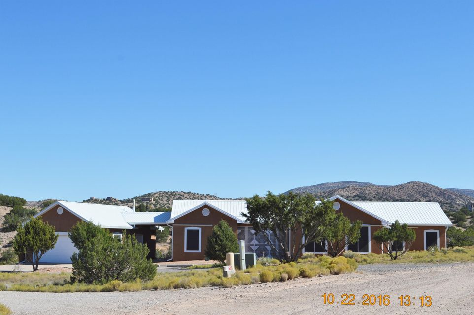 31 Sinagua Road, Placitas, NM 87043