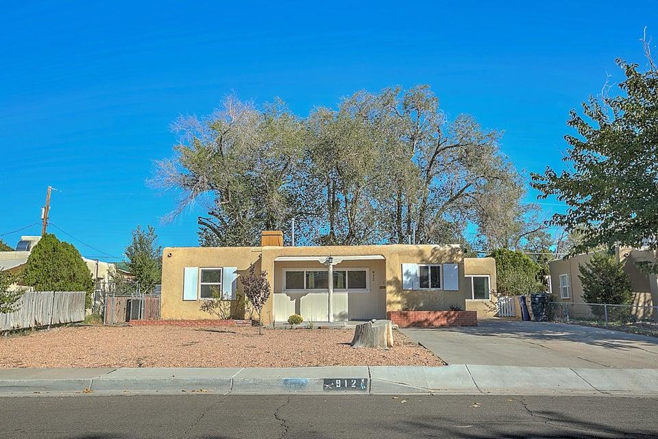 912 Palomas Drive NE, Albuquerque, NM 87108