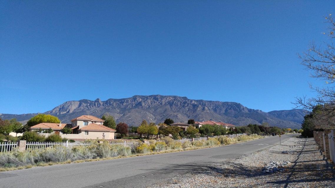10108 San Bernadino Drive NE, Albuquerque, NM 87122