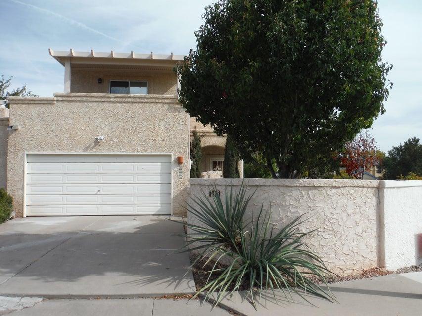 4801 Los Serranos Court NW, Albuquerque, NM 87120
