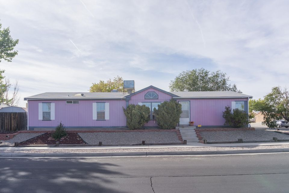 9400 Vista Del Valle Street SW, Albuquerque, NM 87121