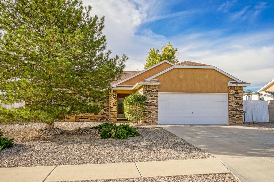 6989 Concord Hills Loop NE, Rio Rancho, NM 87144