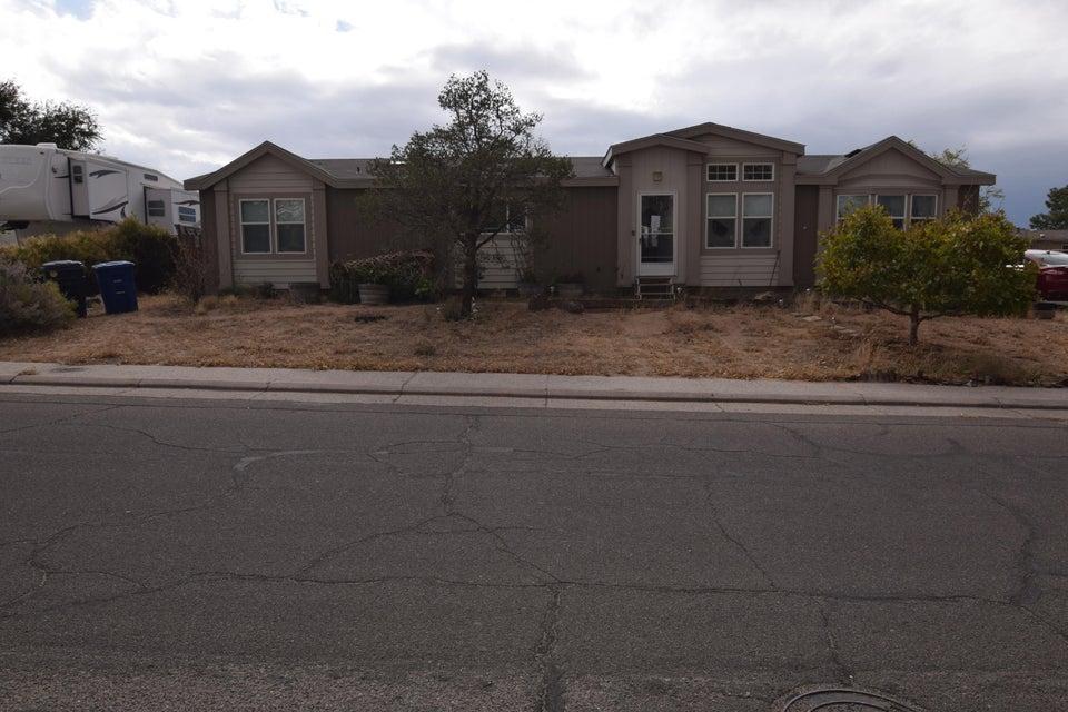 6716 Pino Avenue NE, Albuquerque, NM 87109