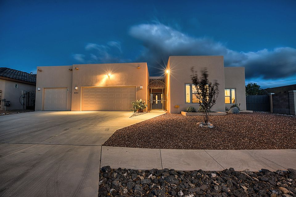 8200 Grape Arbor Court NE, Albuquerque, NM 87122