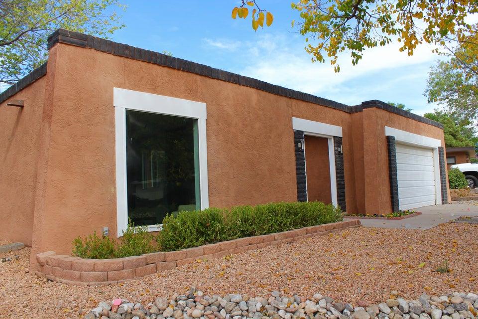 6327 Driscoll Avenue NE, Albuquerque, NM 87109