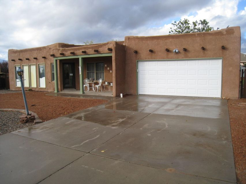 201 Colorado Mountain Road NE, Rio Rancho, NM 87124