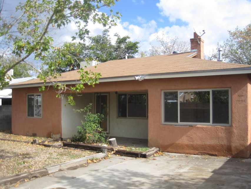326 Adams Street NE, Albuquerque, NM 87108