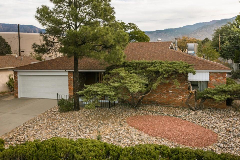 10512 Karen NE, Albuquerque, NM 87111