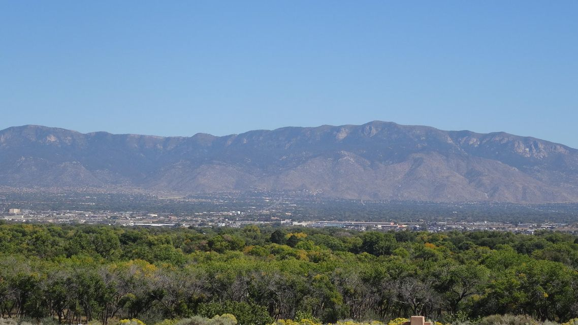 5008 Cinnamon Teal Court NW, Albuquerque, NM 87120