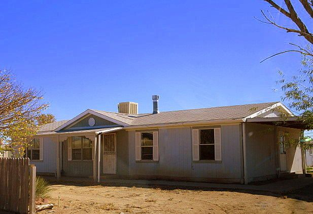 405 1St Street NE, Rio Rancho, NM 87124