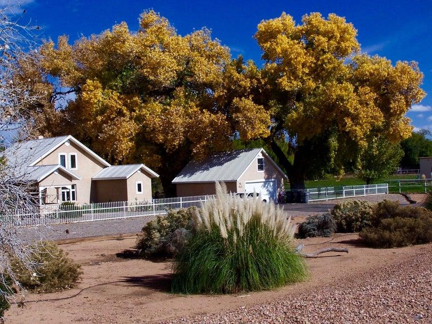 1519 Tierra Verde Place SW, Albuquerque, NM 87105