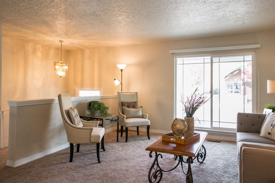 1413 Moon Street NE, Albuquerque, NM 87112