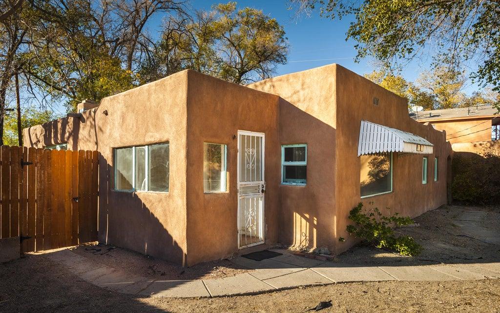 1021 21St Street NW, Albuquerque, NM 87104