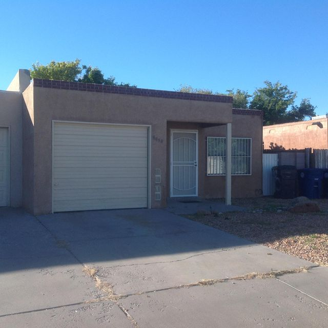 6050 Staubach Avenue NW, Albuquerque, NM 87120