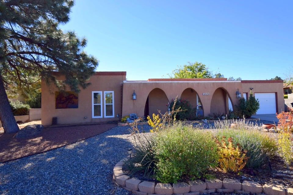 5036 Fairfax Drive NW, Albuquerque, NM 87114