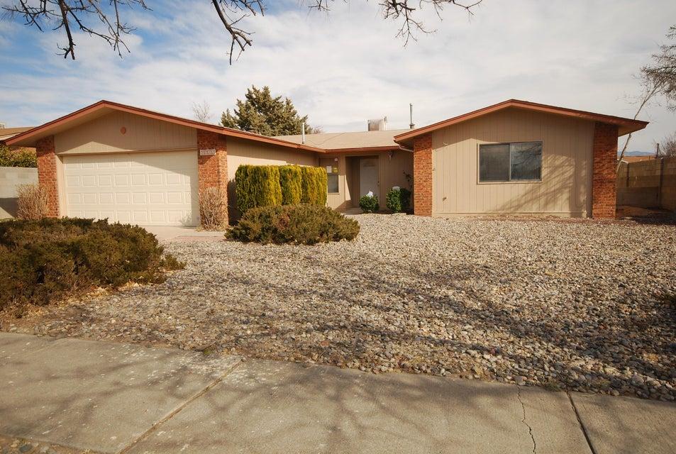 7212 Oregon Trail, Albuquerque, NM 87120