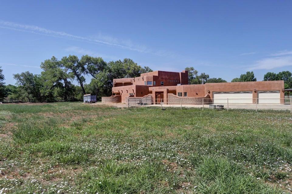 1434 Tierra Verde SW, Albuquerque, NM 87105