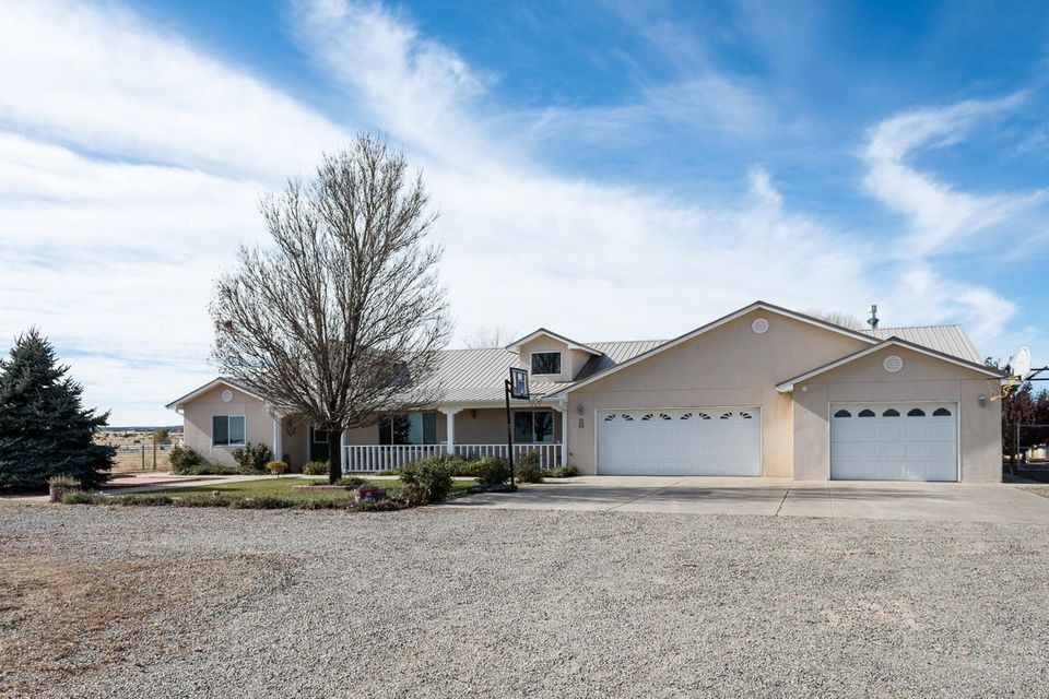 3 Los Llanos Court, Edgewood, NM 87015