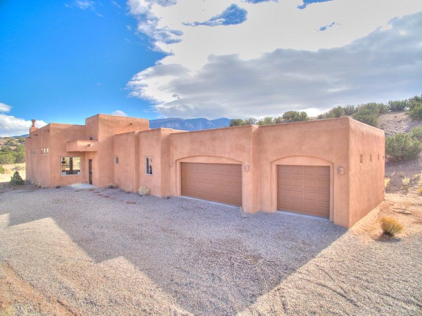 40 Anasazi Trails Road, Placitas, NM 87043