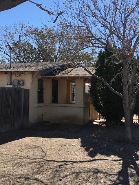2908 Topeka Street SE, Albuquerque, NM 87102