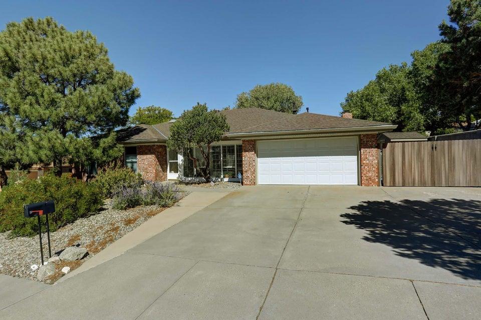 13205 Casa Bonita,Albuquerque,New Mexico,United States 87111,4 Bedrooms Bedrooms,3 BathroomsBathrooms,Residential,Casa Bonita,879859