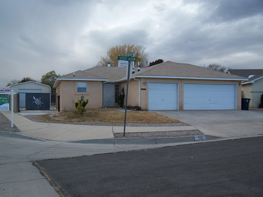 1401 Desert Bloom Court, Albuquerque, NM 87120