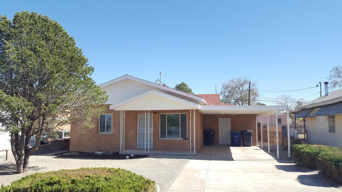 634 Charleston Street NE, Albuquerque, NM 87108