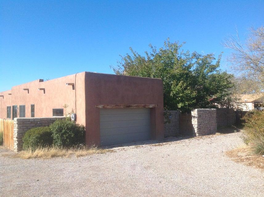 1931 Rio Grande Boulevard, Albuquerque, NM 87104