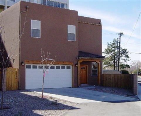 516 Alcalde Place SW, Albuquerque, NM 87104