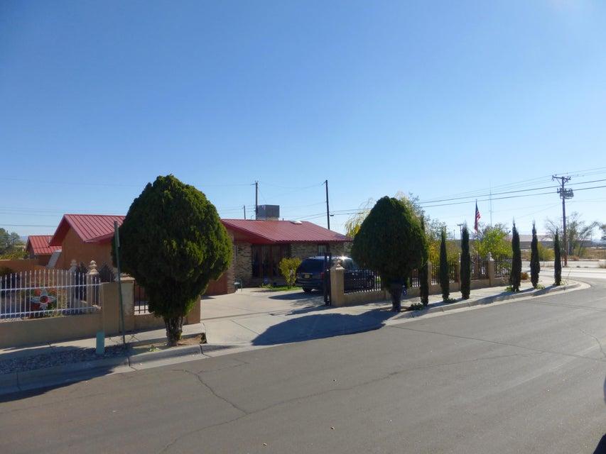 1264 CORTEZ DR SW, Albuquerque, NM 87121