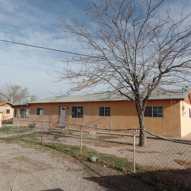 4733 2nd Street SW, Albuquerque, NM 87105
