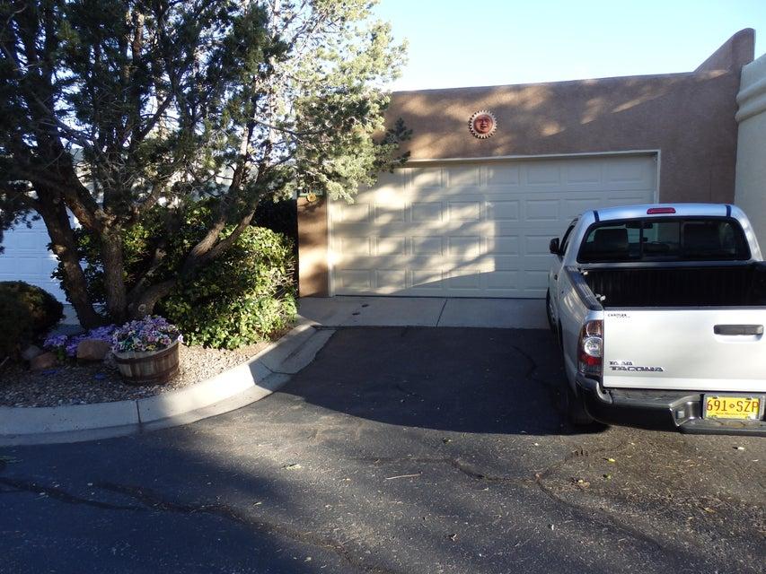 6127 Del Campo Place, Albuquerque, NM 87109