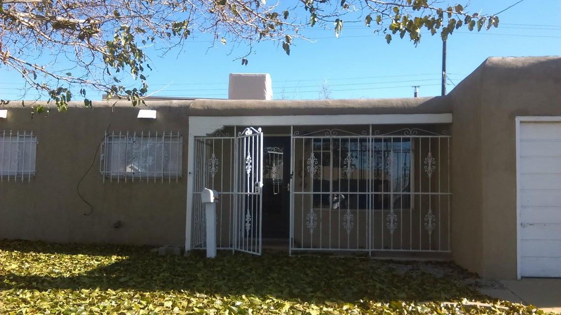 1104 Muriel Street NE, Albuquerque, NM 87112