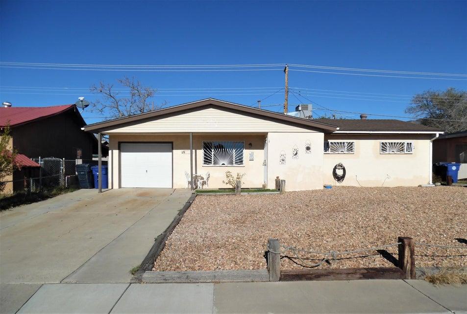 10901 San Jacinto Avenue NE, Albuquerque, NM 87112