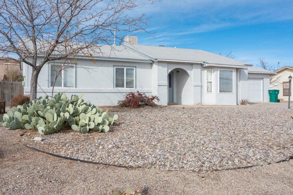 665 Saratoga Drive NE, Rio Rancho, NM 87124