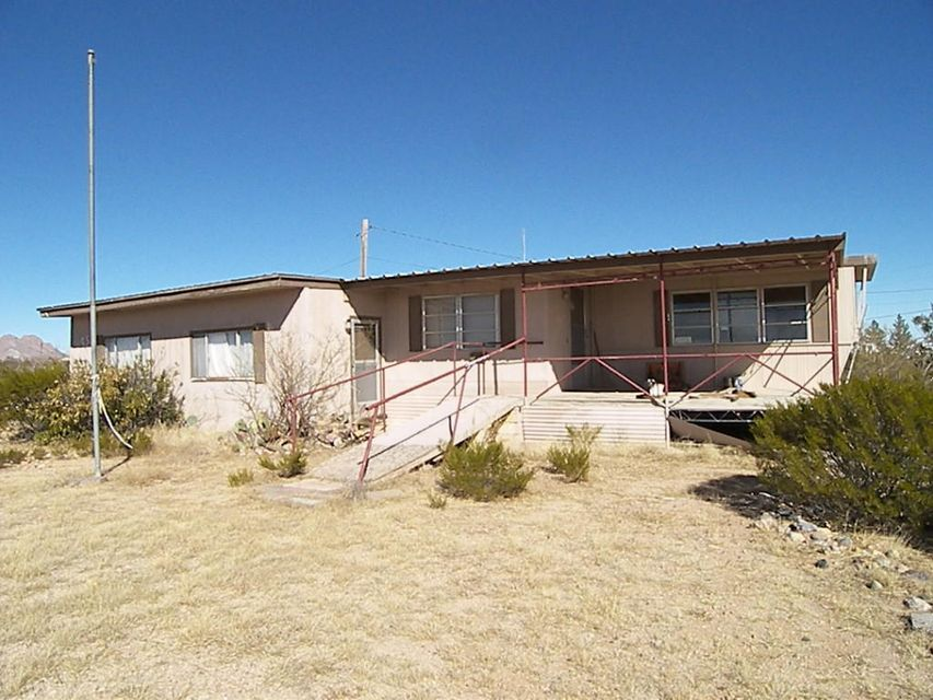 952 Pershing Road, Columbus, NM 88030