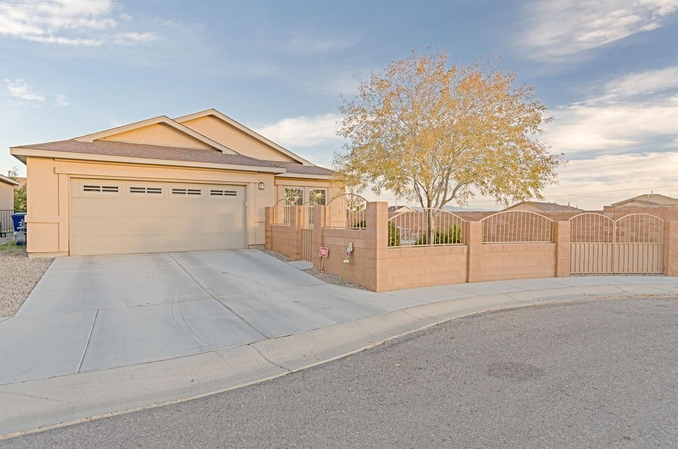 2212 Garland Court SW, Albuquerque, NM 87121