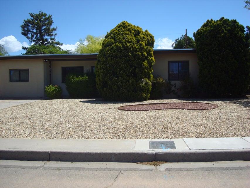 1824 Dakota NE, Albuquerque, NM 87110