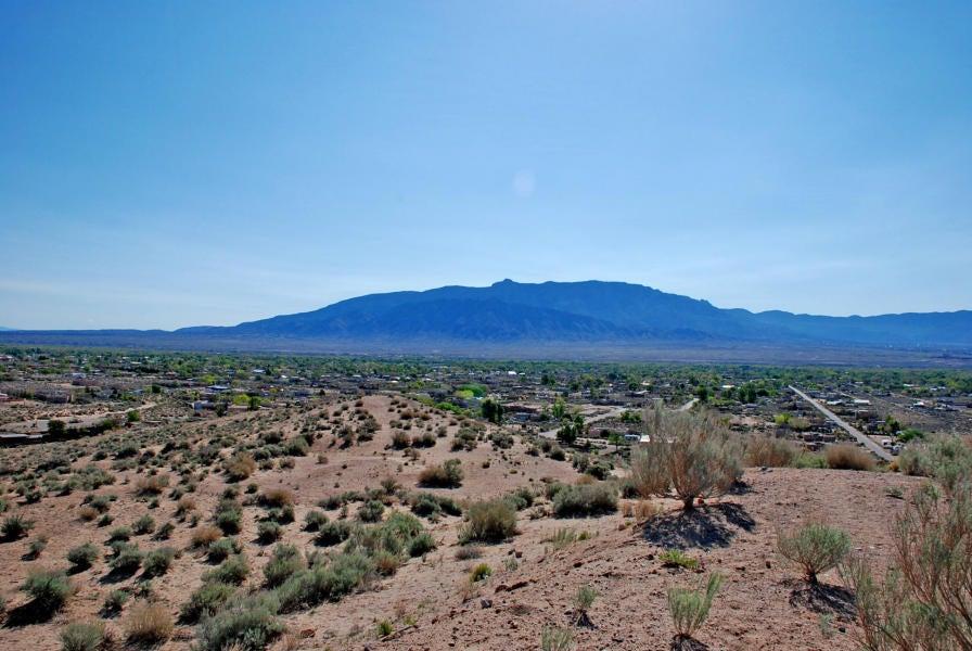 58 Sagebrush Drive, Corrales, NM 87048