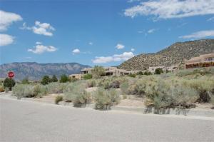 4916 Cresta Del Sur Court NE, Albuquerque, NM 87111