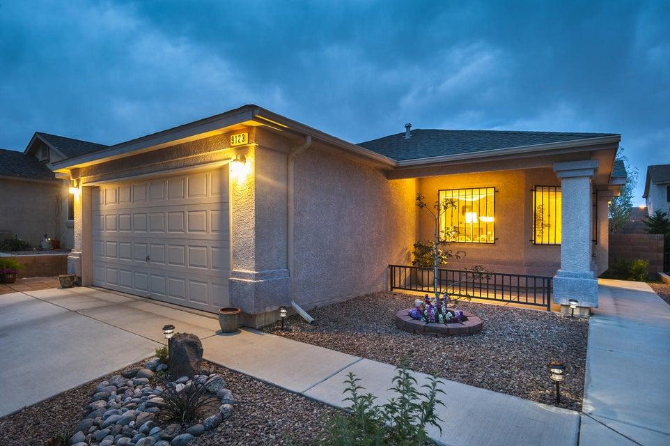 9123 Blue Meadow Trail SW, Albuquerque, NM 87121