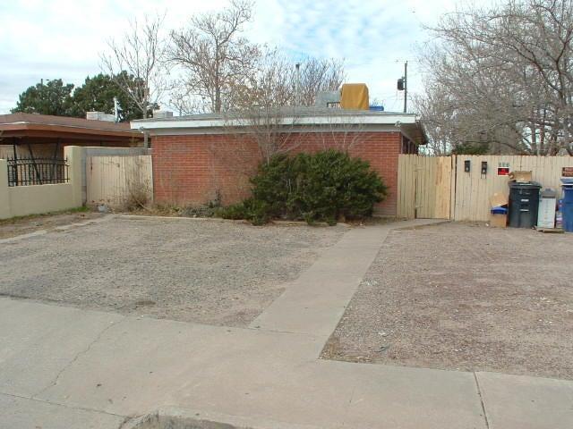 633 GROVE Street SE, Albuquerque, NM 87108